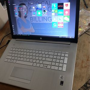 Hp Touchscreen 17' Laptop for Sale in Woodlake, CA