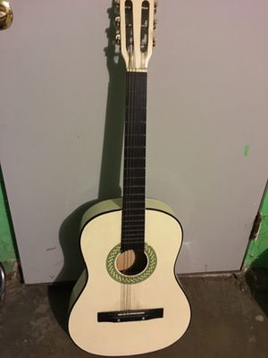 Guitar for Sale in East Los Angeles, CA
