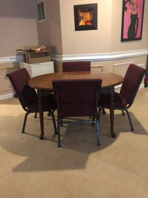 TABLE & LIVING ROOM SET FREE TODAY FOR EVERYTHING MOVING OUT OF TOWN for Sale in Lansdowne, VA