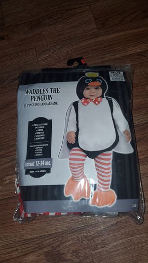 Penguin Halloween costume size 24 months for Sale in Arlington, TX