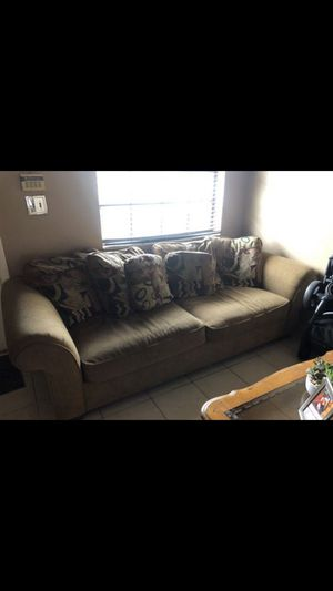 Couch and sectional in good conditions for Sale in Hialeah, FL