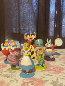 Disney's Alice And Wonderland Figurine Collectables for Sale in Escondido,  CA