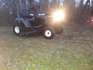 Craftsman lawn tractor with 15.ov twin tecumseh running for Sale in Hampton, VA