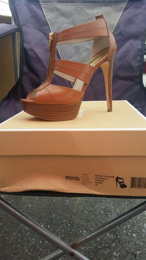 SOLD - Michael kors sandals 7 for Sale in Washington, DC