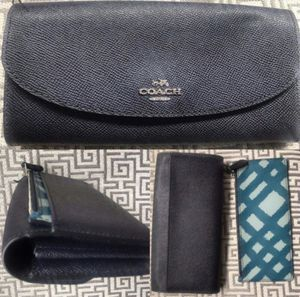 New COACH Leather Wallet w Removable Change Purse • Designer Clutch for Sale in Washington, DC