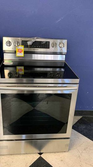 BRAND NEW SAMSUNG NE59N6630SG ELECTRIC STOVE FCR19 for Sale in Houston, TX