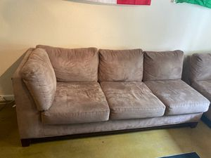 2 pieces L Couch. Good conditions for Sale in Tampa, FL