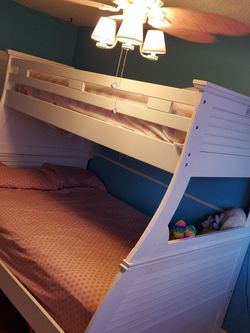 Twin And Full Bunk Bed for Sale in Tarpon Springs,  FL