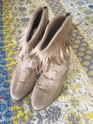 Girls Gymboree suede fringe boots for Sale in Lockport, NY