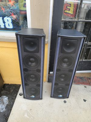 Bluetooth karaoke speaker/bosina for Sale in Fontana, CA