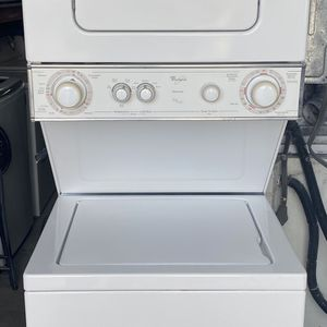 Whirlpool Stackable Washer And Drrer for Sale in Homestead, FL