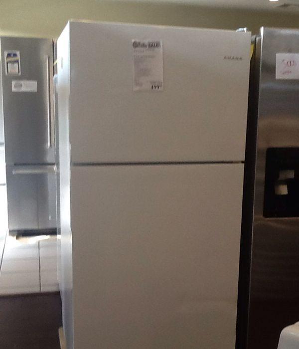 New open box Amana refrigerator ART318FFDW
