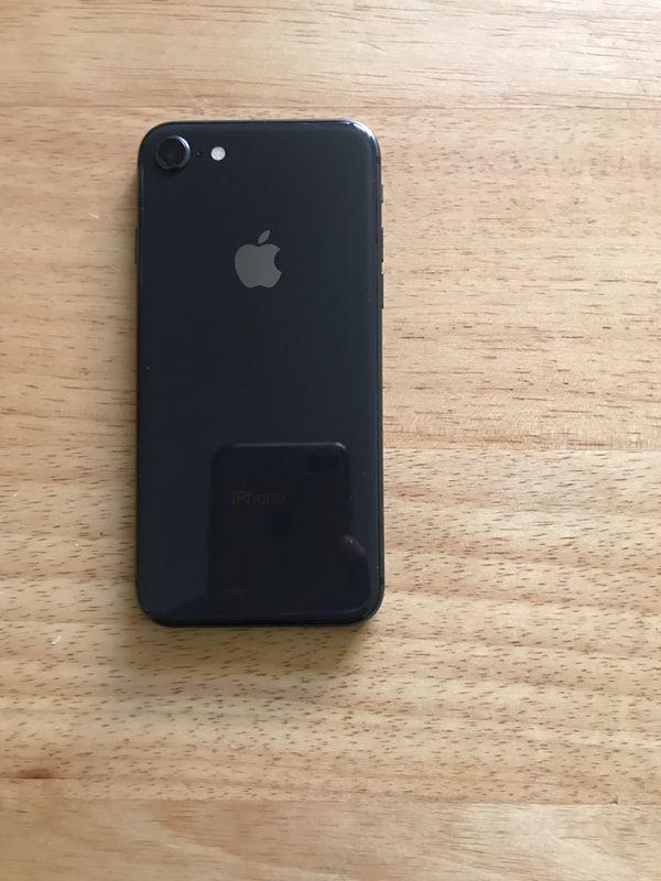 iPhone 8 64GB Black (AT&T Cricket H20)