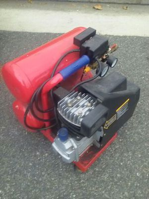 Construction air compressor. 4.2 gal. for Sale in Culver City, CA