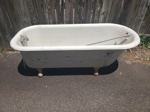 Antique Clawfoot Tub. 5 ft. With shower attachments. for Sale in Quinton, VA