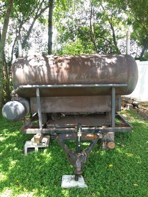 Bbq grill. Good for Sale in Lakeland, FL
