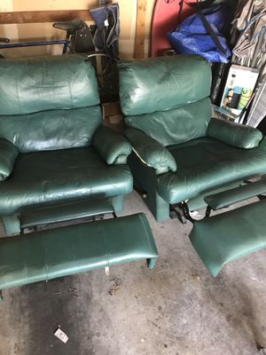 FREE- two green recliner chairs for Sale in Martinez, CA