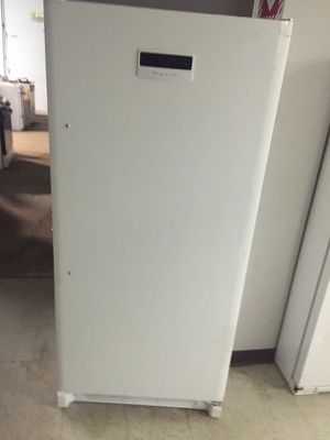 UPTIGHT FREEZER NEW for Sale in Cleveland, OH