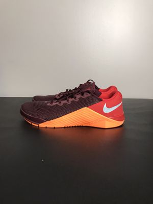 NEW Nike Metcon 5 Night Maroon Red Orange Gym Training Men's Size 9 AQ1189-656 New without box for Sale in French Creek, WV