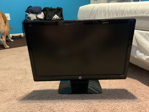 Hp computer monitor 22 inches long and 14 inches from top to bottom for Sale in Warren, MI
