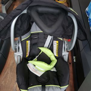 Baby Trend Car Seat for Sale in Port Charlotte, FL
