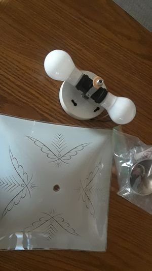Electric overhang fixture/light for Sale in Long Beach, CA