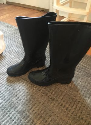 Woman's size 6/7 black rain boots, for Sale in Metairie, LA