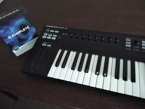 Native Instruments Komplete Kontrol S25 with Komplete 10 Ultimate for Sale in Port Richey, FL