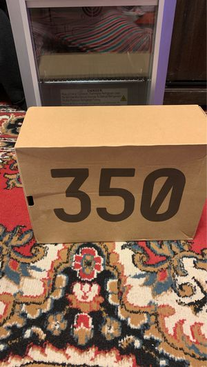 Yeezy boost 350 v2 box for Sale in Newington, CT