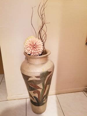 Beautiful heavy ceramic vase. Excellent condition. for Sale in Delray Beach, FL