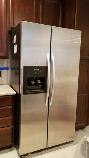 Kitchenaid Refrigerator Amazing Condition for Sale in Rockville, MD