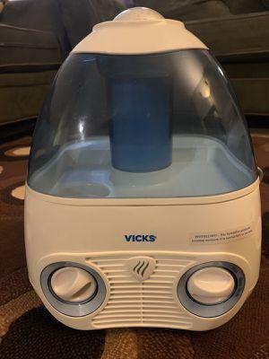 Vicks Humidifier (1 gallon) for Sale in Canton, MI