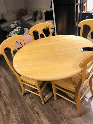 Dinning table for Sale in Gaithersburg, MD