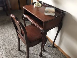 Antique table and chair good condition for Sale in Plainfield, IL