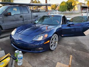 Chevy Corvette v8 2005 for Sale in San Fernando, CA