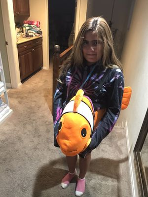 Nemo costume my daughter is 10 so the sizing is bigger for Sale in Seal Beach, CA