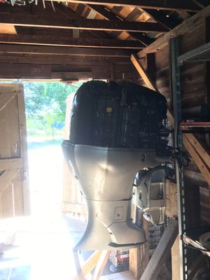 225 BF225 v-tec Outboard motor Like new Low HOURS for Sale in Arlington, TX