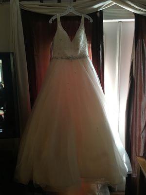 Wedding gown for Sale in Oviedo, FL