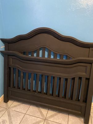 Black crib including mattress may be a great for a project piece for Sale in Phoenix, AZ