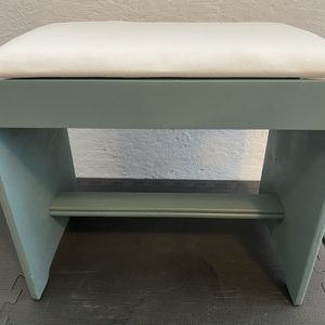 Small Stool Bench for Sale in Everett, WA