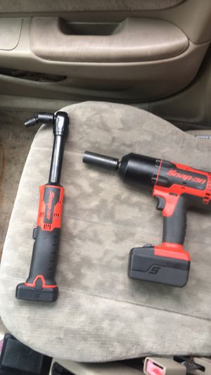SNAP ON LIFETIME WARRANTY POWER TOOLS . 500 EACH 800 TOGETHER for Sale in DORCHESTR CTR, MA
