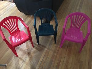 Kids plastic chairs for Sale in Los Angeles, CA
