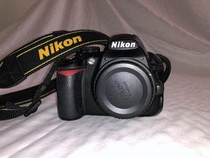 Nikon D3100 w/ bonus material for Sale in Lakeland, FL