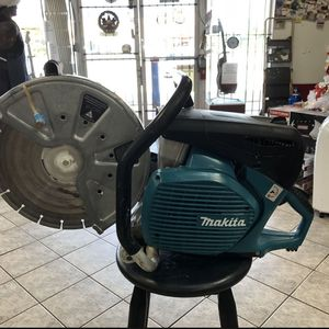 Makita 4 Stroke 14 in 76cc Gas Saw for Sale in Fort Lauderdale, FL