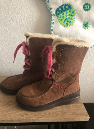 Girls Ugg boots size 3 y for Sale in Chula Vista, CA
