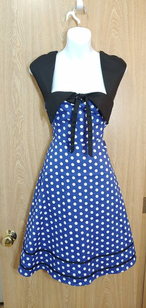 L-NWT Blue & white polka dot dress featuring black front tie knot detail for Sale in Kent, WA