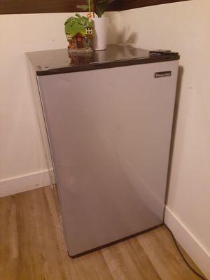 mini refrigerator for Sale in San Diego, CA