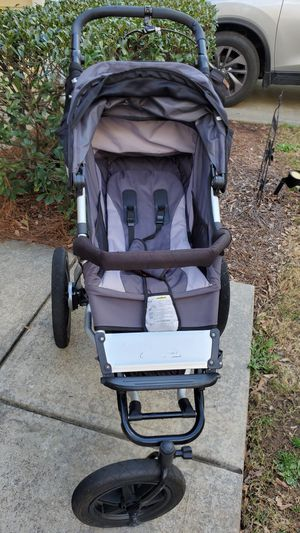 Mountain Buggy stroller, used by very clean!! for Sale in Charlotte, NC