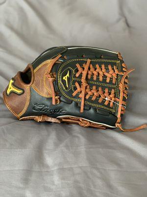Mizuno Baseball Glove for Sale in Irvine, CA