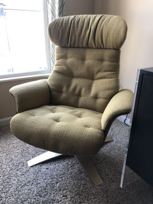 Rivet Olander Mid-Century Modern Recliner Chair with Swivel Base, Lemongrass color for Sale in Columbus, OH